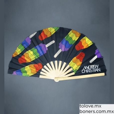 Abanico Arcoíris Andrew Christian | Accesorios LGBT Pride | Envíos a todo México